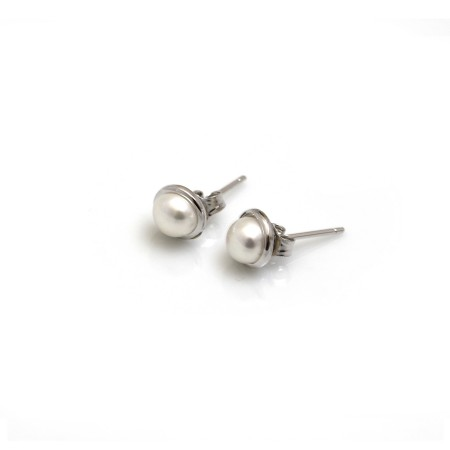 Sterling Silver & Freshwater Pearl Studs