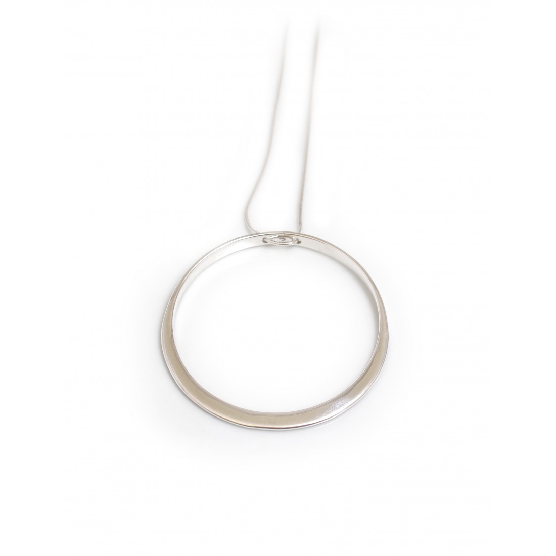 Sterling Silver Circle Pendant With Snake Chain